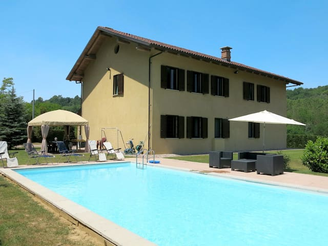 House Nocciola with pool and beautiful relaxing surrounding