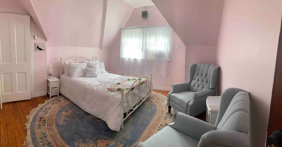 Gillis Grier Bed & Breakfast - The Pink Room