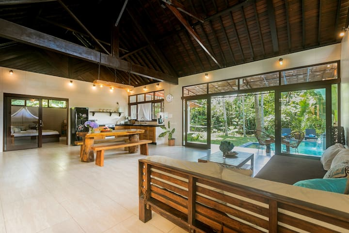 Family villa- modern beautiful and totally private