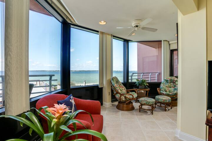 Gone Coastal - Sound-Side Condo with Water Views!