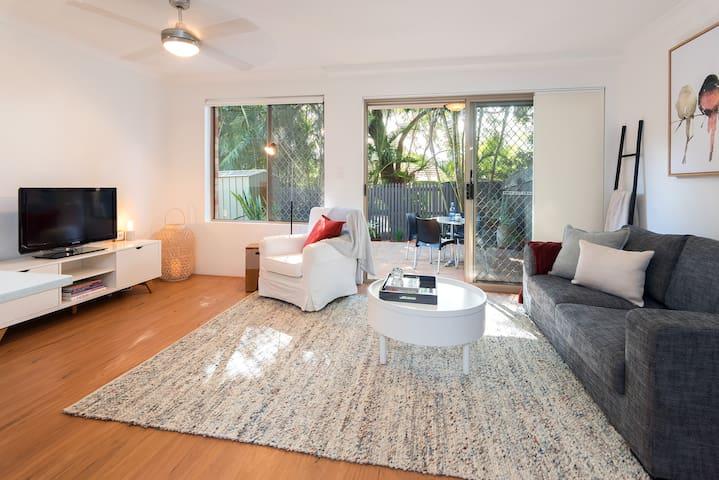 Avon Villa - convenient, contemporary, comfortable