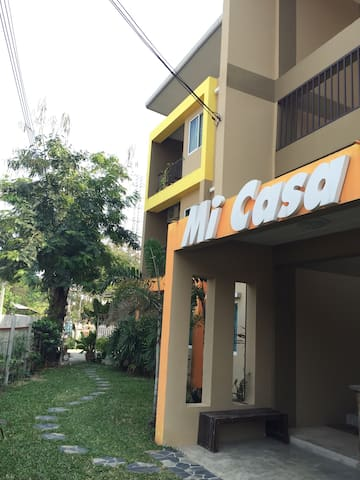 Mordern Loft Apartment near Center - Tambon Fa Ham - Apartment