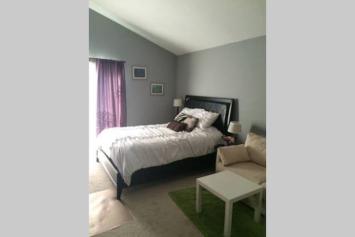 Comfy 2 bdrm house for 2-6 people! - Placentia - House