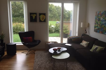 Lækker lejlighed på jorden 5 km fra Vejle centrum - Vejle