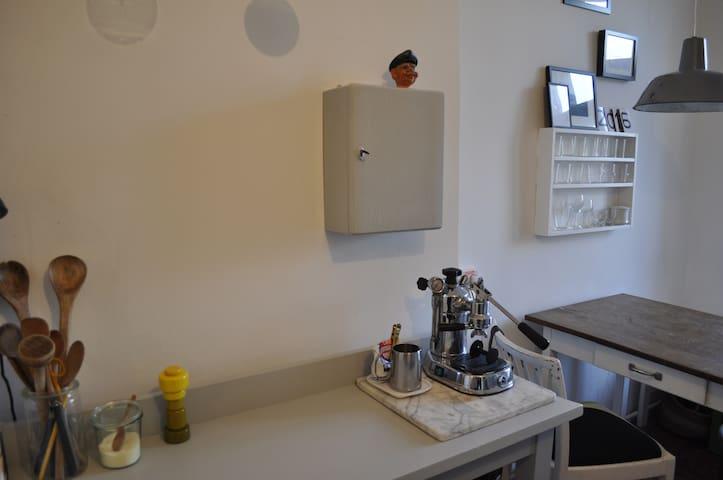 beautiful 3-room flat in Neukölln  - Berlin - Apartment