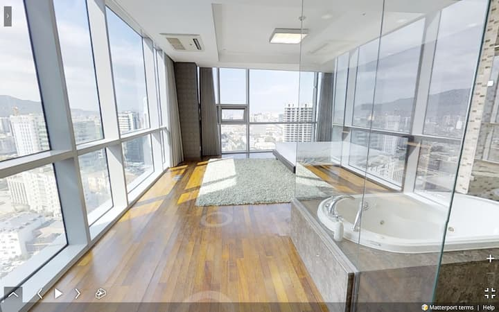 Spacious Master room at Blue Sky Tower----