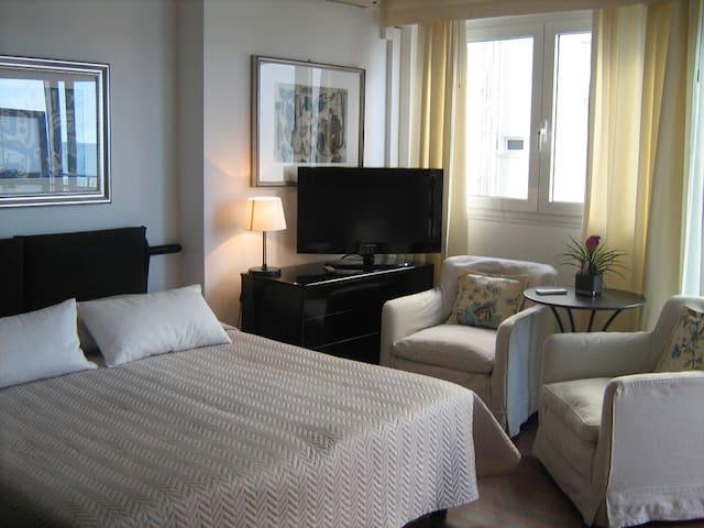 Studio Apartment with balcony overlooking the sea! - Lido di Jesolo - Apartmen