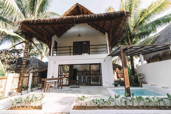 VILLA BLANCA Siargao - Luxury 2 storey Pool Villa