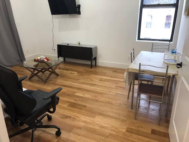 Beautiful Fully Renovated 2 bedroom apartment