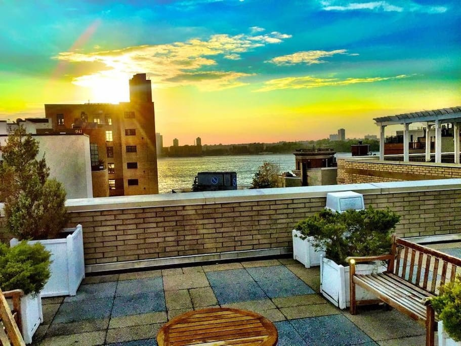 Fantastic rooftop for sunset drinks or a cup of joe in the morning