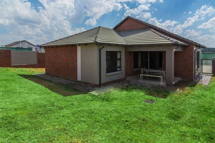 3 bed house in a secure estate with a large yard