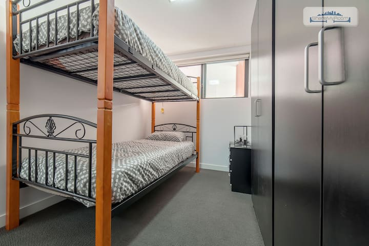 BUNKED BED SHARED ROOM FOR MALE IN ULTIMO