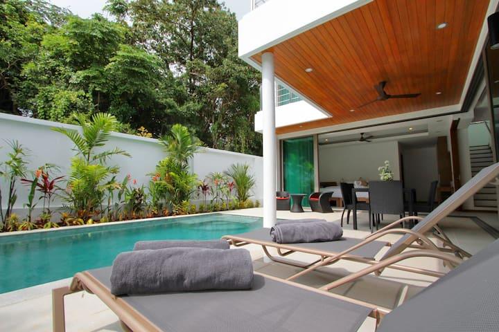 Rawai Ya Nui beach Villa