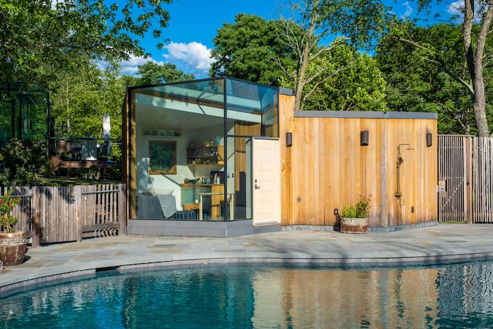 Glass Gem in Hudson Valley: Pool, Sauna, Hot Tub