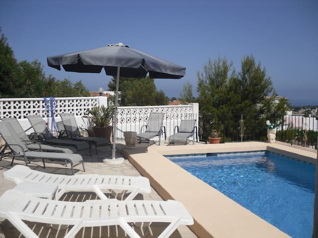 Casa Kim Apt B with superb sea views and pool - Benissa - Appartement