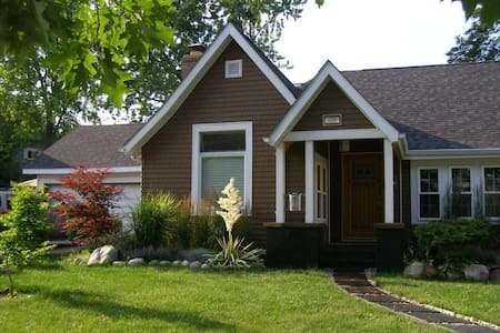 Great Place to Stay in Kenosha! - Kenosha - Huoneisto