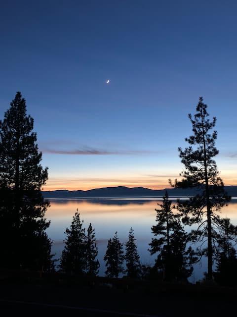 Lake View Cabin Getaway