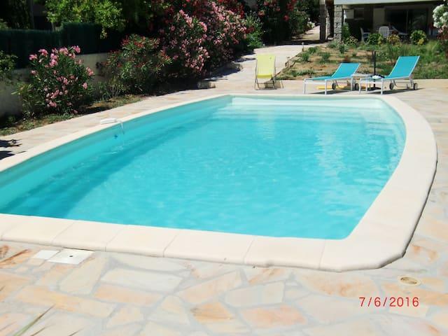 Maison 2 chambres piscine chauffée - Порто-Веккьо - Дом
