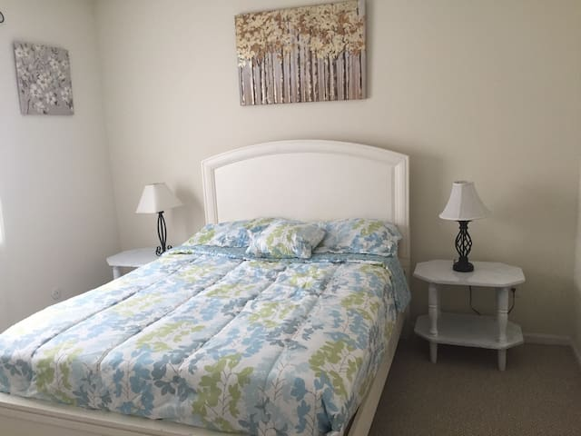 Cozy Private Downtown Room - Columbus - Wohnung