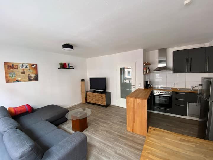 *neu* zentrale, gemütliche Wohnung mit Balkon