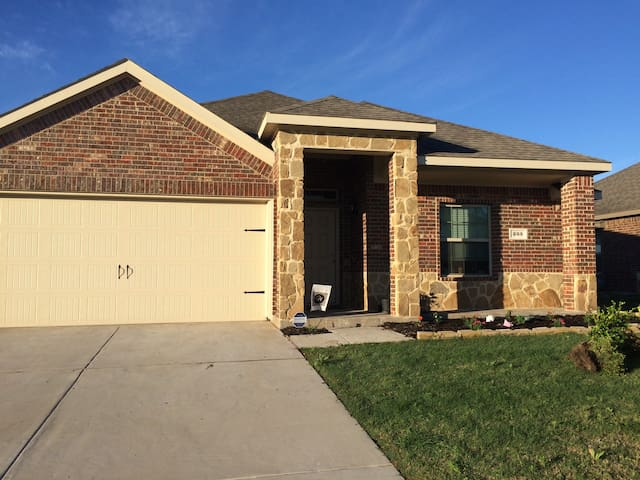 Single Room in Waxahachie and near Ennis - Waxahachie - Casa