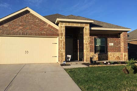 Single Room in Waxahachie and near Ennis - Waxahachie - Ház