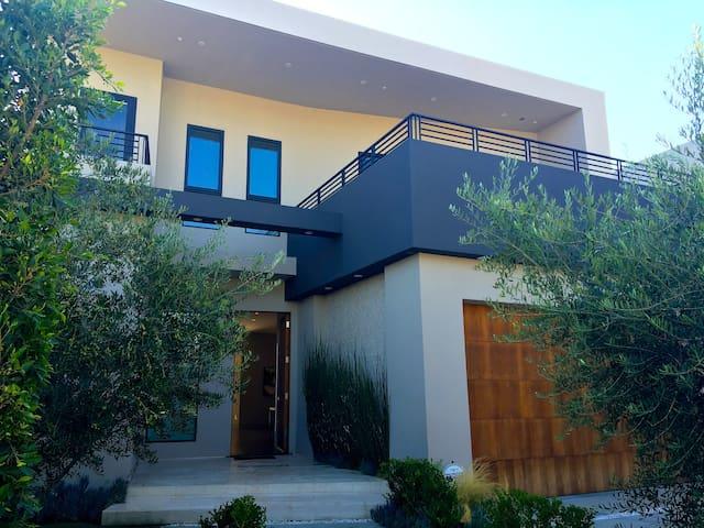 Stunning Home Modern Luxury