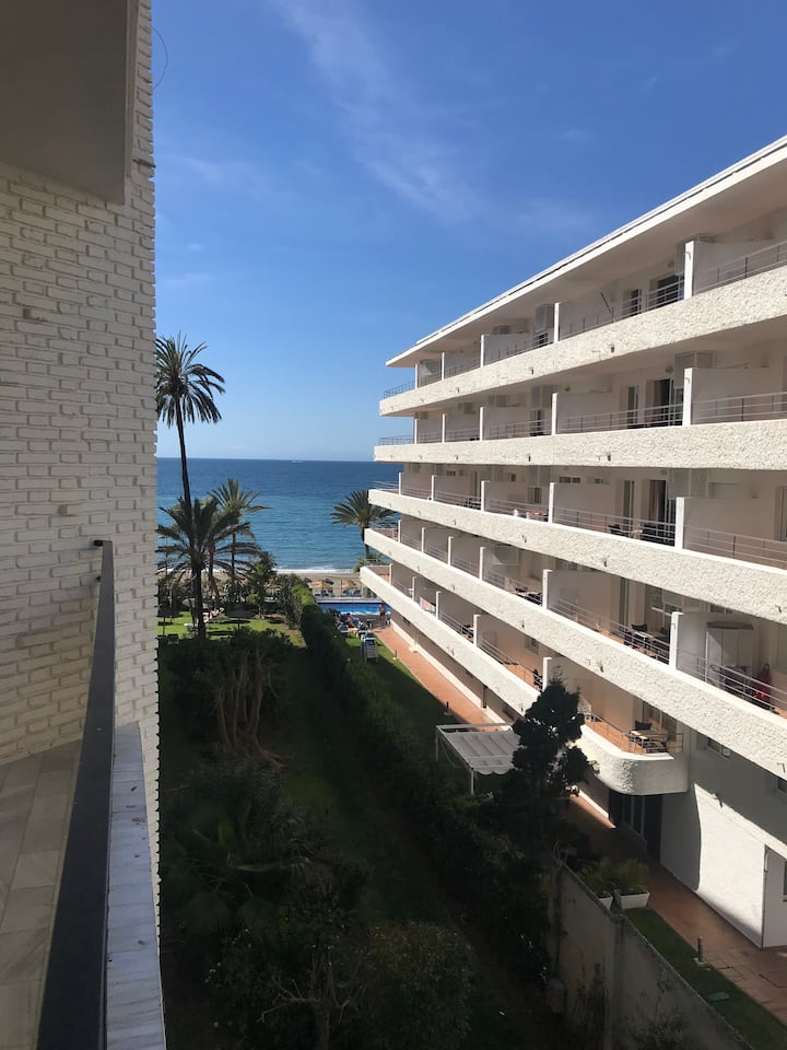 Skol 352C Beachfront Central with Views and WIFI