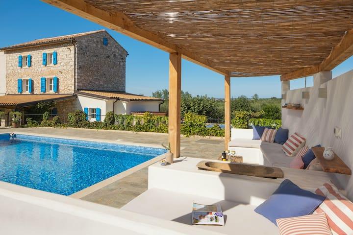 Stunning traditional stone Villa