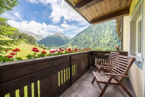 """Идеальные апартаменты для отдыха """"Ferienwohnung Innerwalten"""" с Wi-Fi, видом на горы, балконом и красивой панорамой; ресторан и парковка доступны, безбарьерный доступ"""