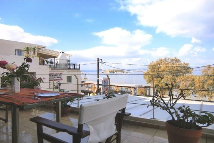 Fully Equipped Beachfront Apartment in Almirida