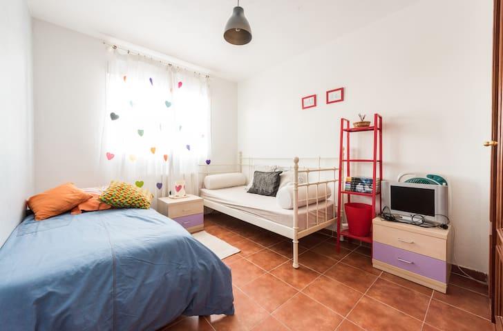 habitacion cama doble + habitación 2 camas - Illescas - Bed & Breakfast