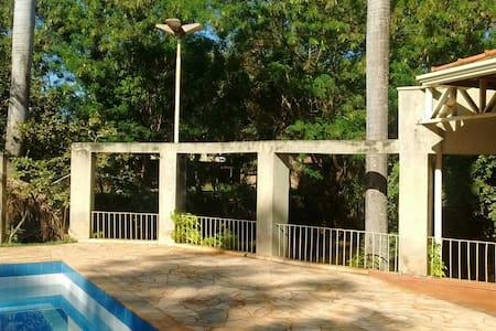 Chácara na Rodovia Anhanguera prox Ribeirão Preto.
