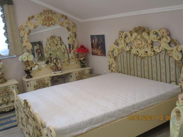 Apartament   72 m  z  Garażem   ,,Dwa  Światy ''