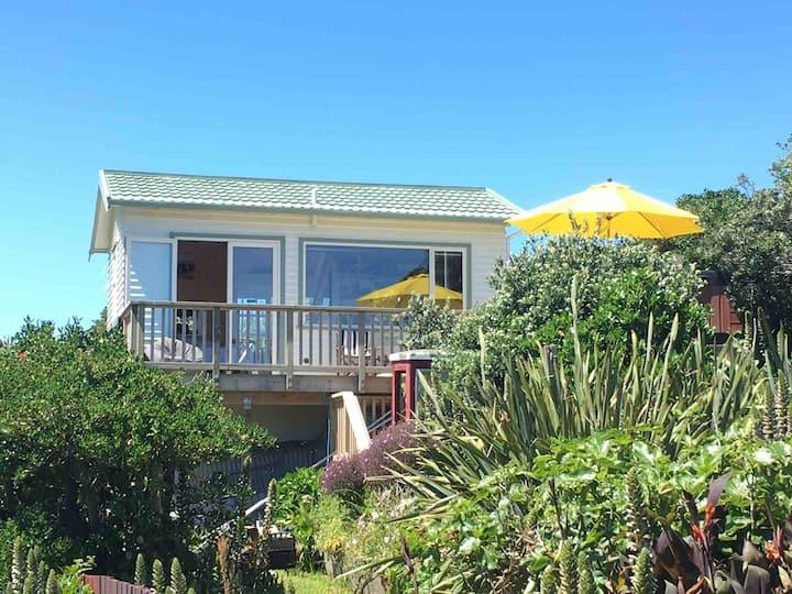 The Little House - Titahi Bay Beach