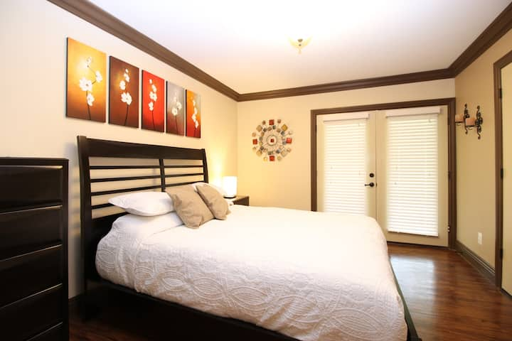 Elegant One Bedroom Suite in a Community Setting-5