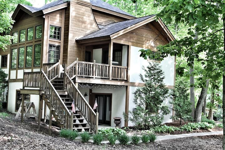 Luxury Rental on Boyne Mountain, 5 bedrooms/4 bath