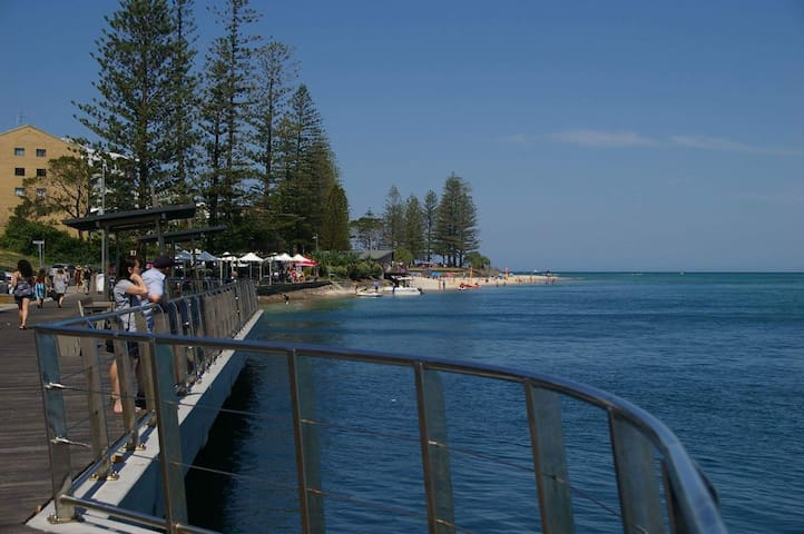 Centrally Located, Beach, Budget - Caloundra - Pension