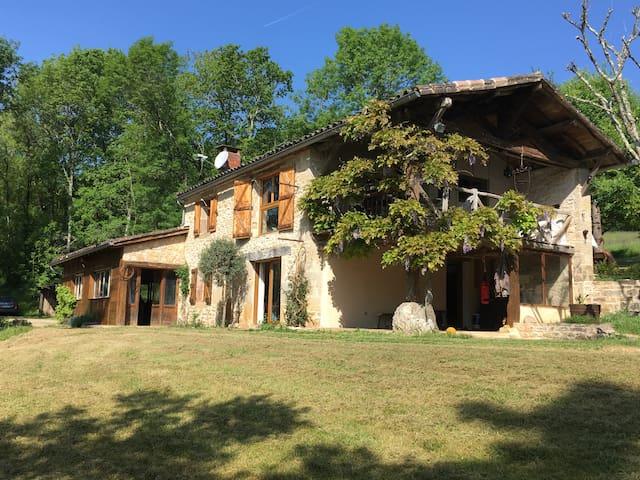 Maison en pierres à Saint-Antonin-Noble-Val