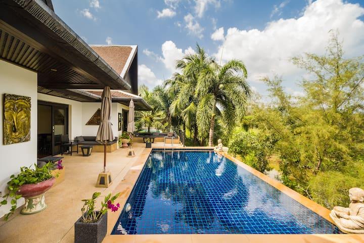 Amazing 5 Bedrooms Pool Villa infront of the Beach