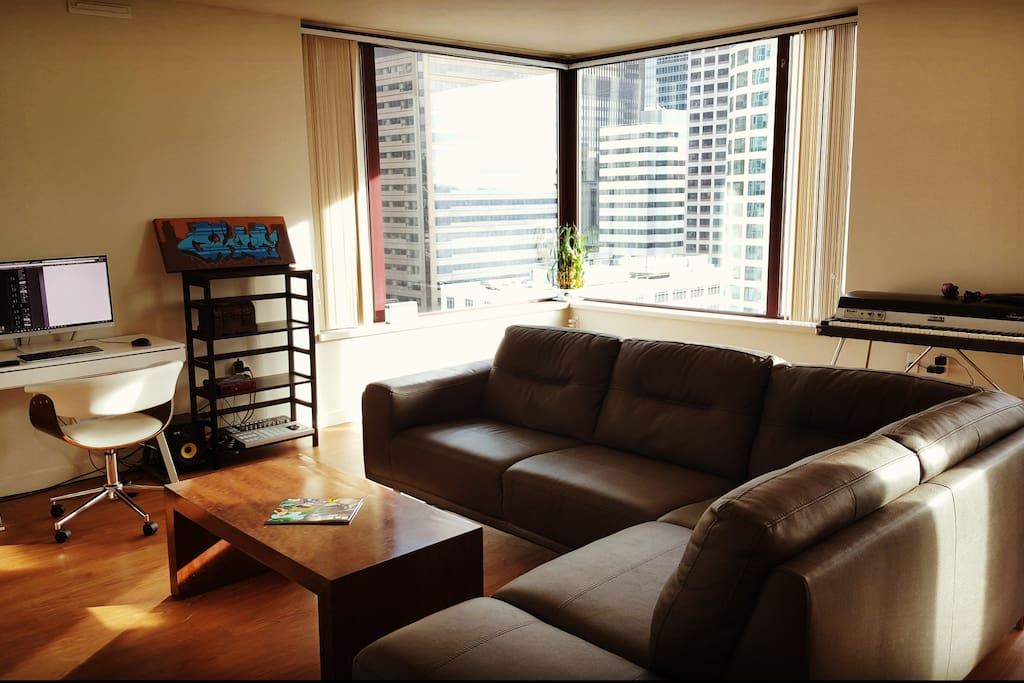Large 1 bedroom downtown home next to pikes place - Seattle 1 bedroom apartments for rent ...