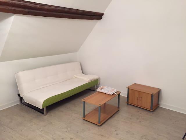 studio meublé, quartier historique - Ancenis
