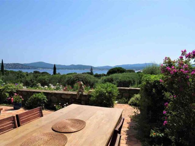 Villa Colombe - Belle villa vue mer, plage privée