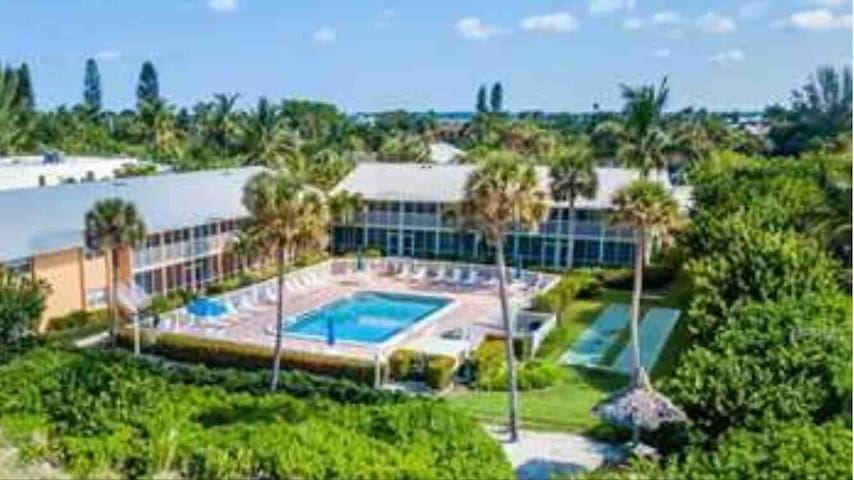 Directly on Longboat Key Beach - Kid Friendly/SRQ1