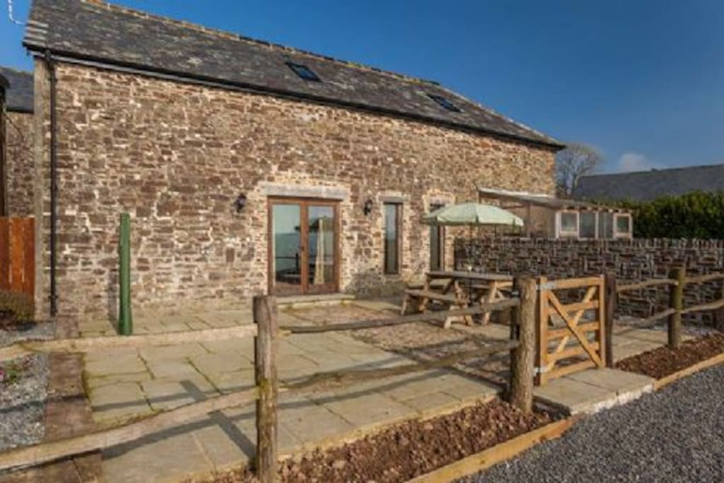 The Old Stables private sun terrace