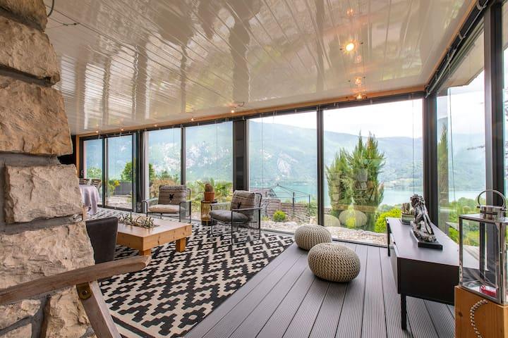 Appartement 85m² piscine+ spa +sauna + vue sur lac