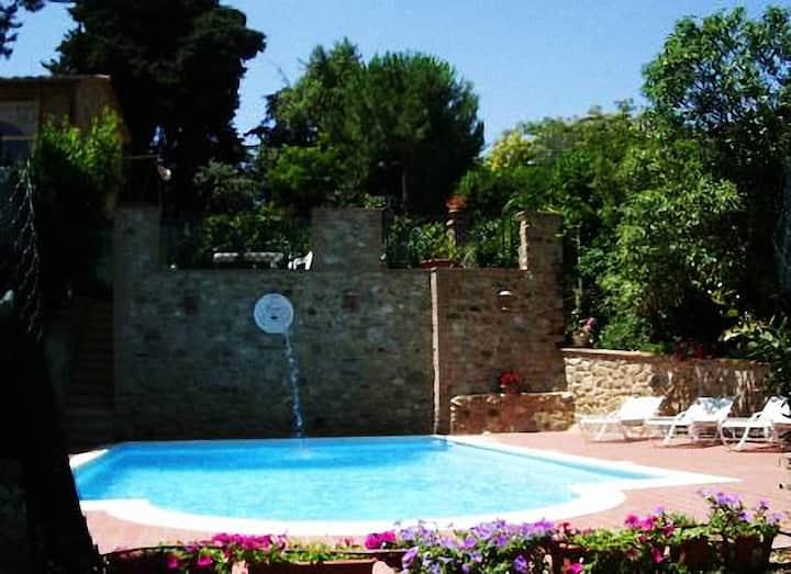 Enjoy Tuscany and relax in Antico Frantoio
