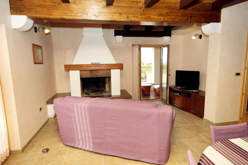Living room 1, Surface: 16 m²