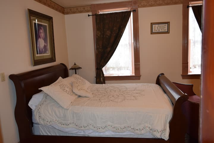 Fox Room at the Osborne Inn