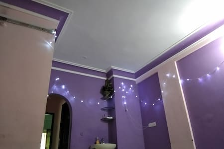 Peaceful and charming 2BHK Apartment near Palasia